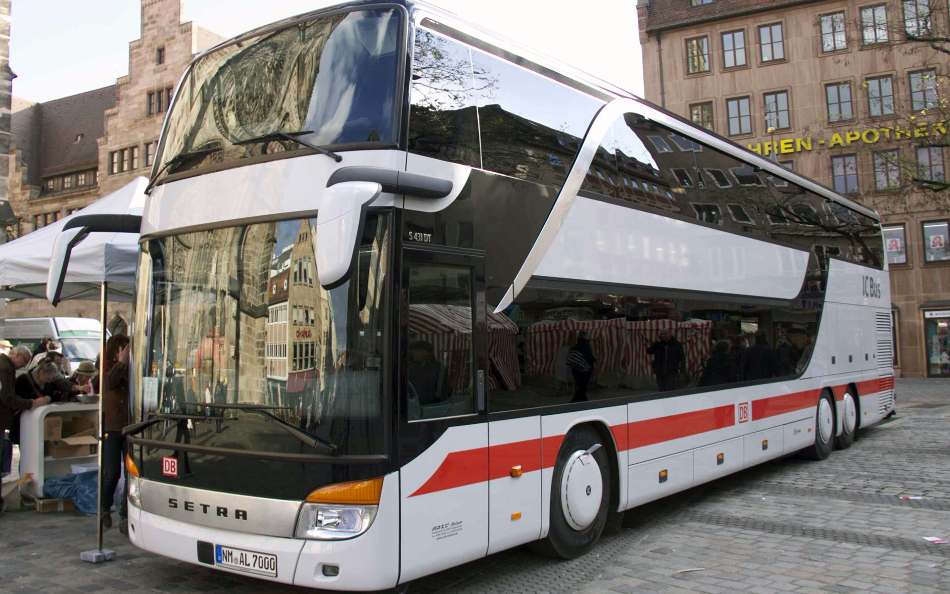 A Deutsche Bahn IC Bus service on the Nürnberg-Mannheim route, Germany (image by Mef.ellingen).