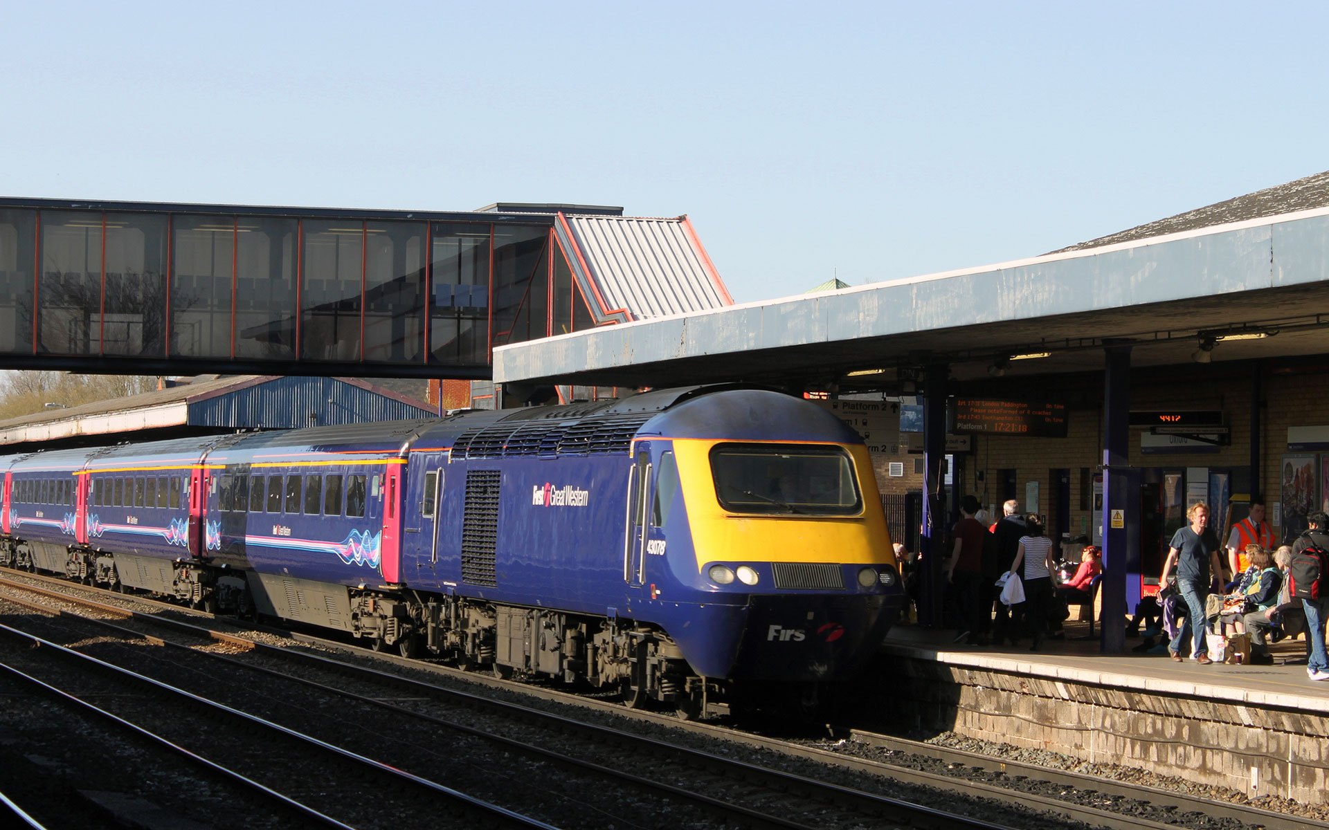 First Great Western's high-speed trains are less likely to be overcrowded on the Oxford to London line than the local services on the same route (photo © Georgesixth).