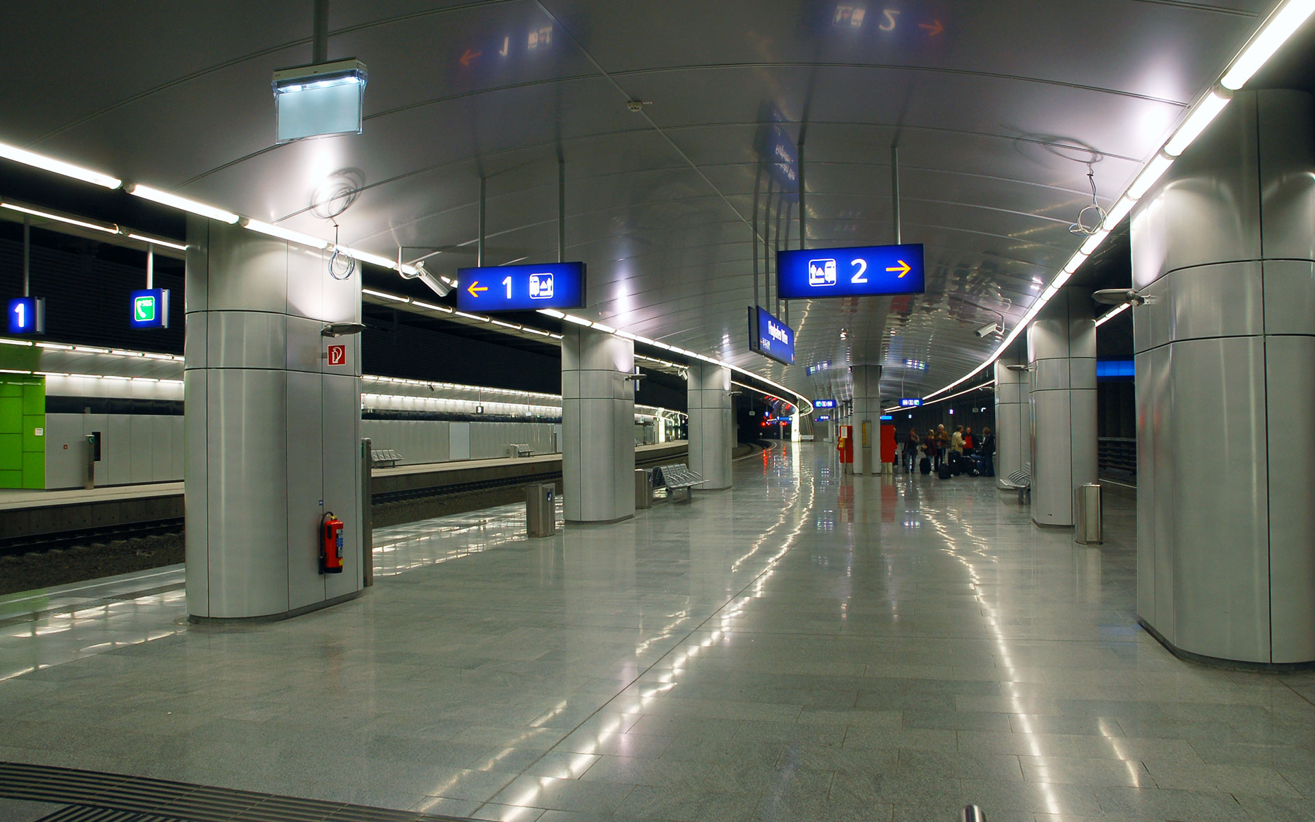 Vienna Airport's underground railway station (photo © Ralf Rolatschek).