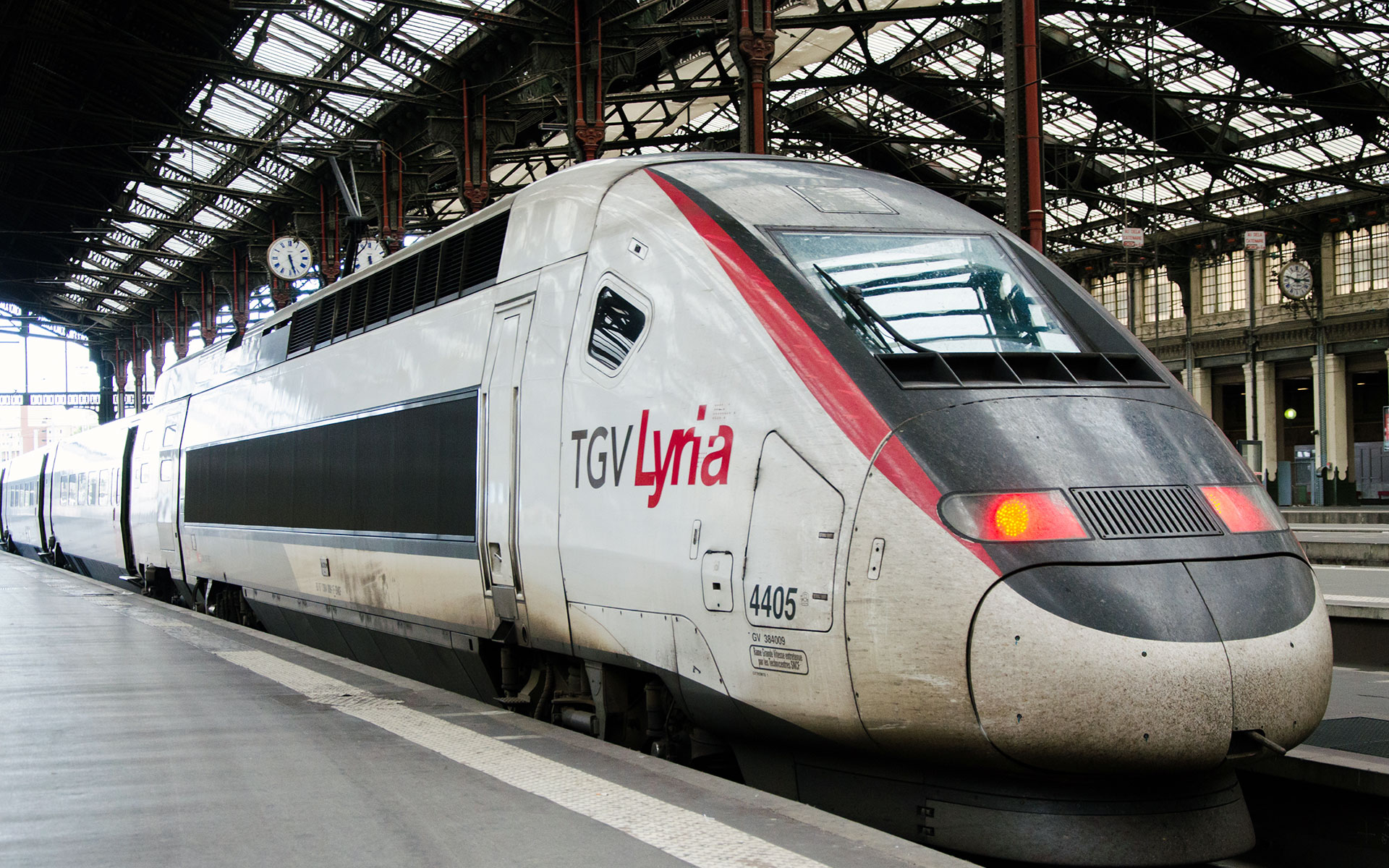TGV Lyria trains from Paris to Switzerland can now be booked four months in advance (photo © Yinglina / dreamstime.com)