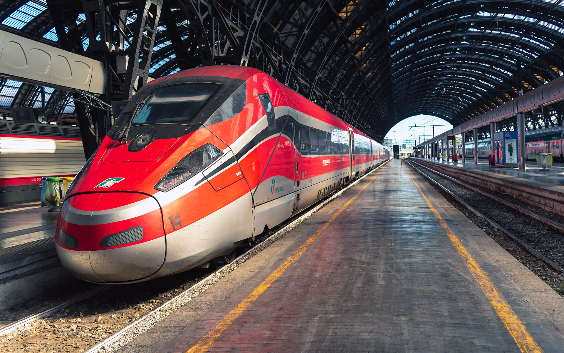 Trenitalia is increasingly using its sleek Frecciarossa trains to destinations well removed from the high-speed network (photo © Petru Stan / dreamstime.com).