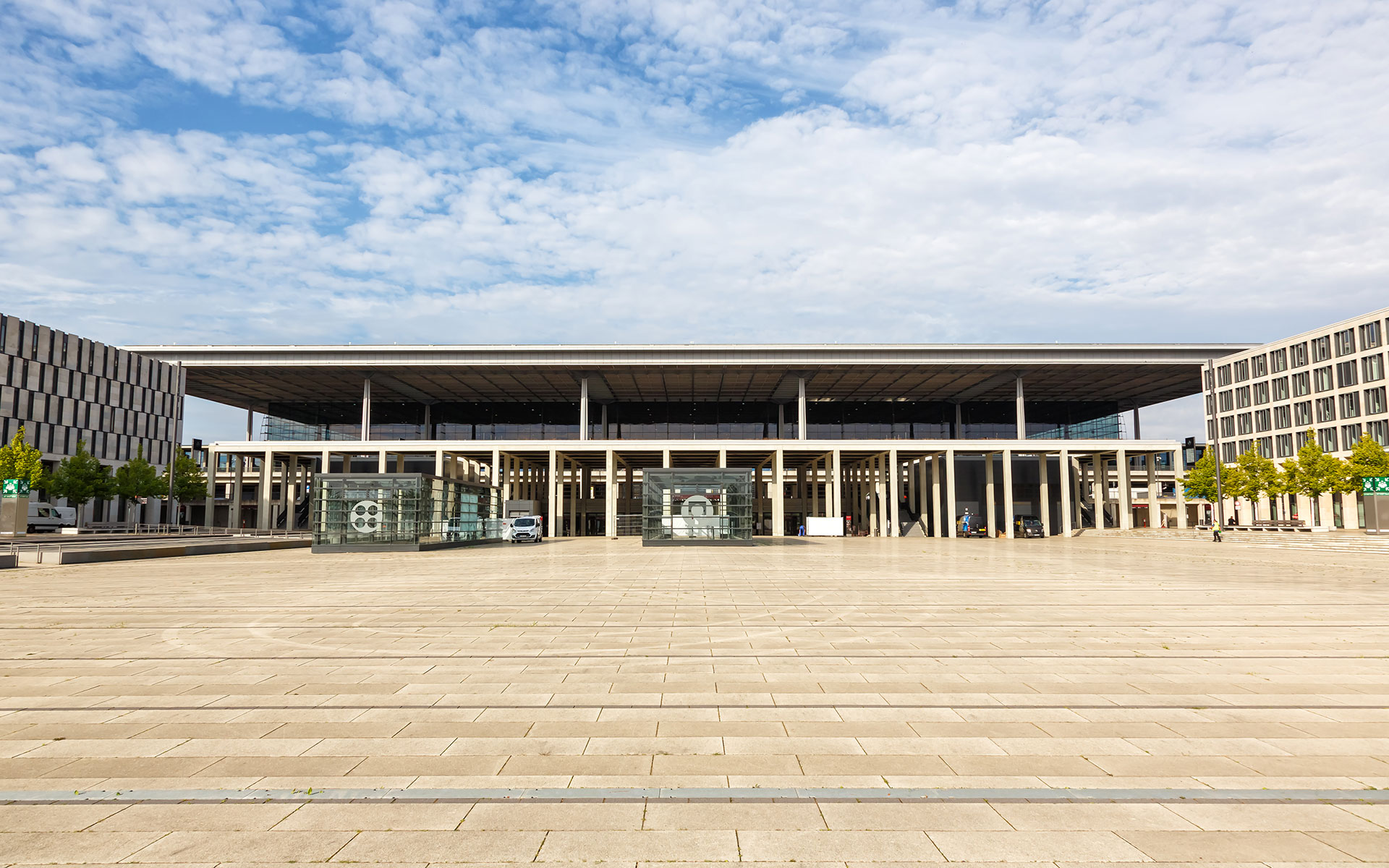 Terminal 1-2 of the new Berlin Airport BER (photo © Boarding1now / dreamstime.com).