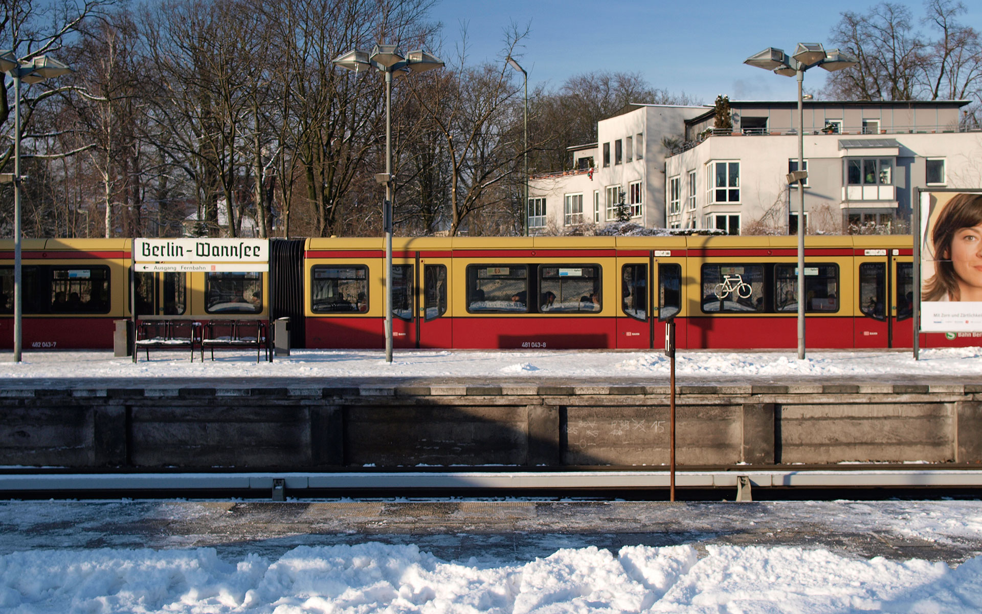 Heading out to the edges of Berlin: an S-Bahn train arriving at Wannsee station in the city's leafy south-western suburbs (photo © hidden europe).